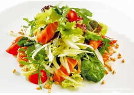Салат теплый с крабом